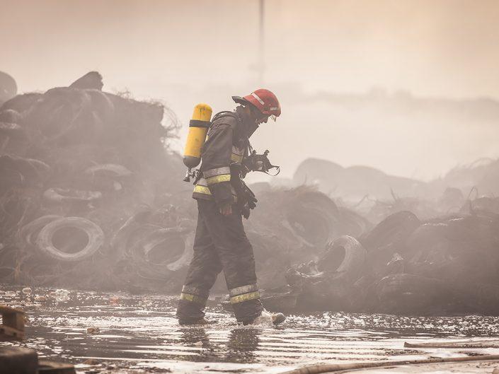 Pożar opon w Buszycach