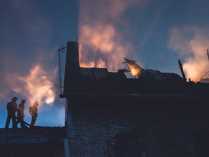 """Pożar budynku mieszkalnego """"Barka"""""""